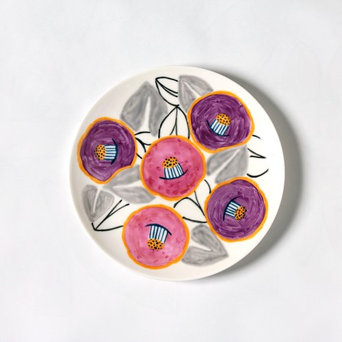 Smile Camellia Plate · Pink and Purple