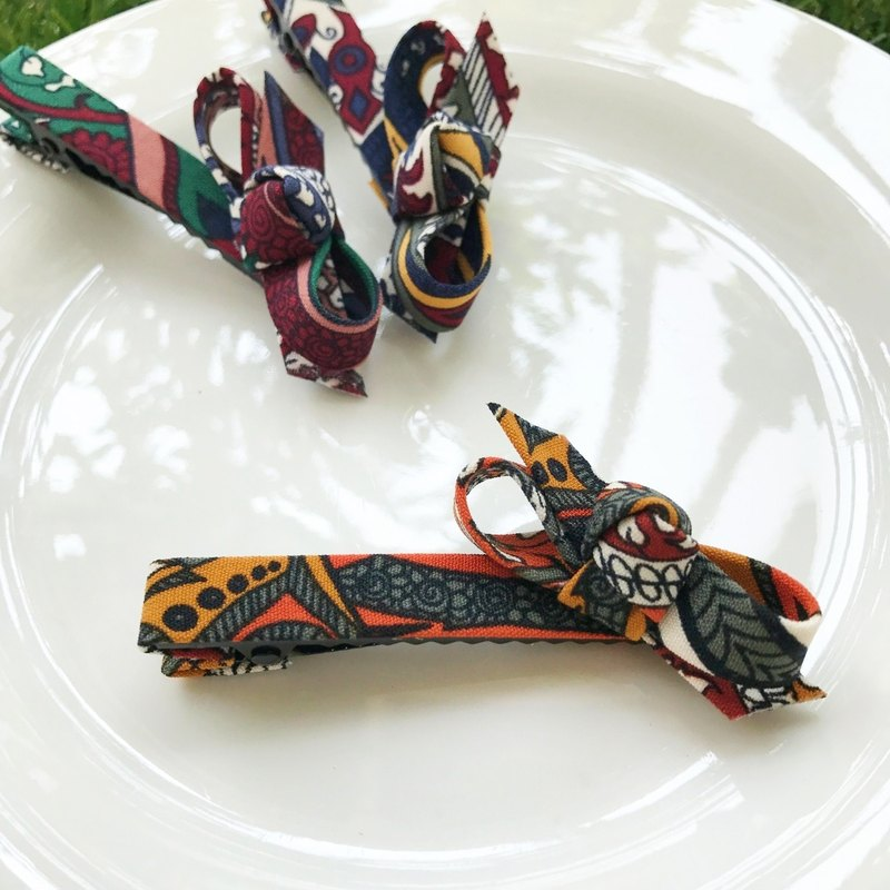 Folk totem hairpin (orange)