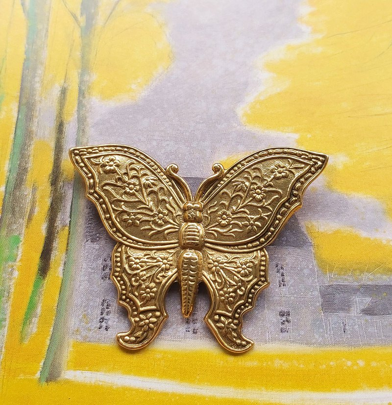 [Western antique jewelry / old age] 1928 metal engraved fine butterfly pin