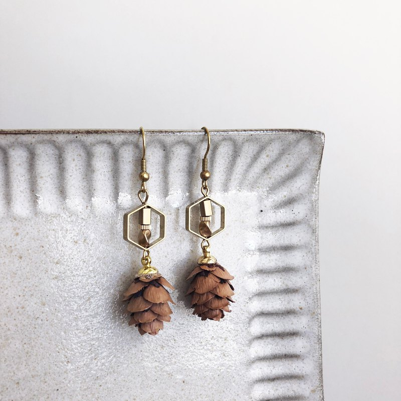 Brass pine cone earrings can be changed ear clips