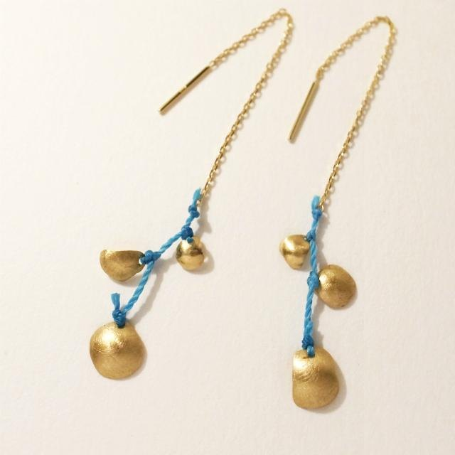 18 karat gold Long earrings: 3 capsules Blue