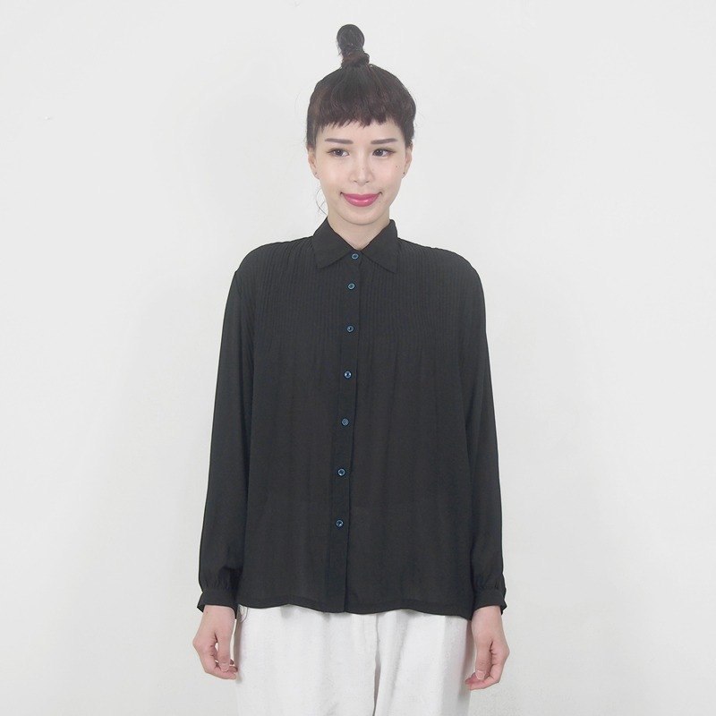 Black face umbrella pleated long-sleeved shirt BD4008