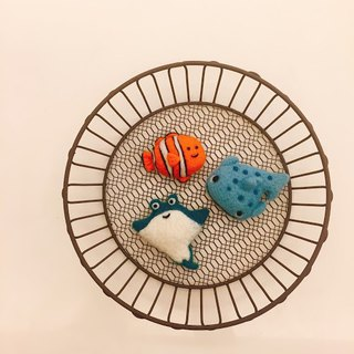 Three fish - wool felt three-piece clownfish / whale shark / bonito