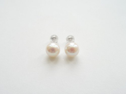 Twinkling Gold ◆ 14K Solid White Gold Akoya Saltwater Pearls (8.5 mm) Stud Earrings (Non-pierced Clip-ons Available)