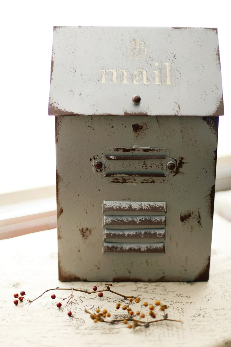 [Good day] Miscellaneous fetish vintage retro mailbox wind grocery / storage box