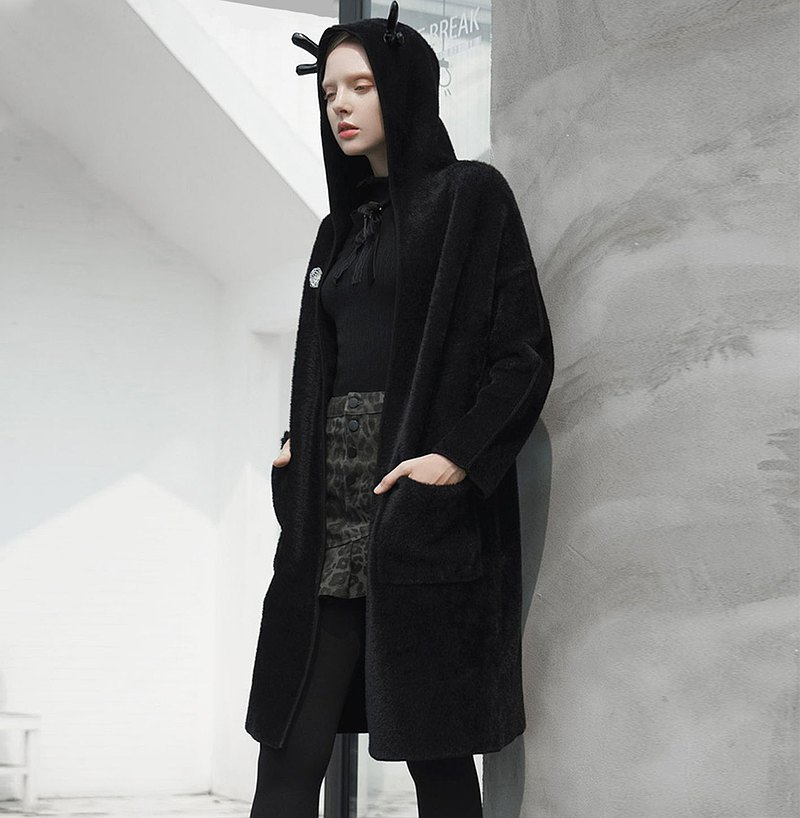【換季特賣】阿蒂米斯鹿角巫帽外套