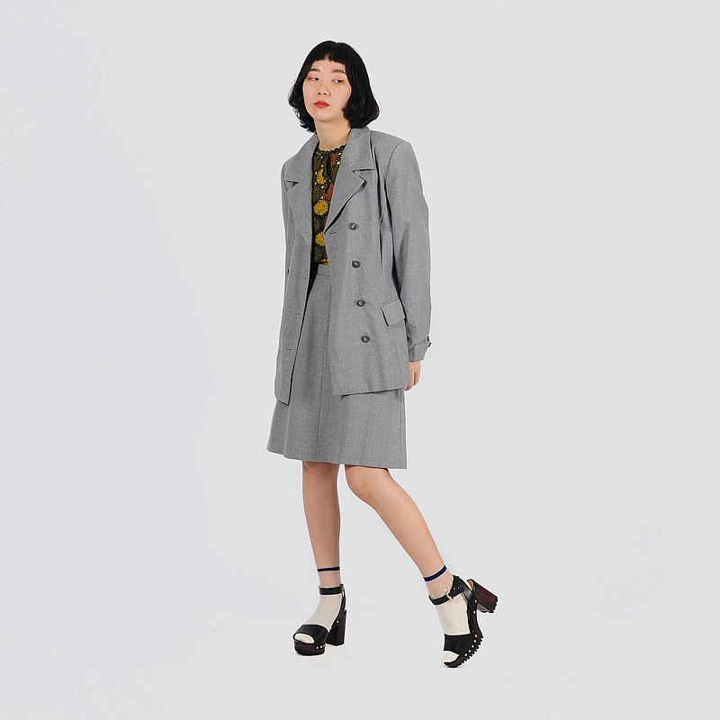 【蛋植物古著】灰彩剪影薄毛裙式古著套裝