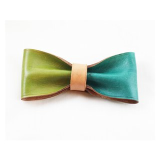 Clip on vegetable tanned leather bow tie - Green / Mint green color