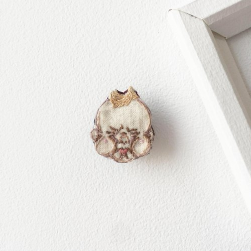 #01 ANGRY BOY : Handmade Embroidery Brooch