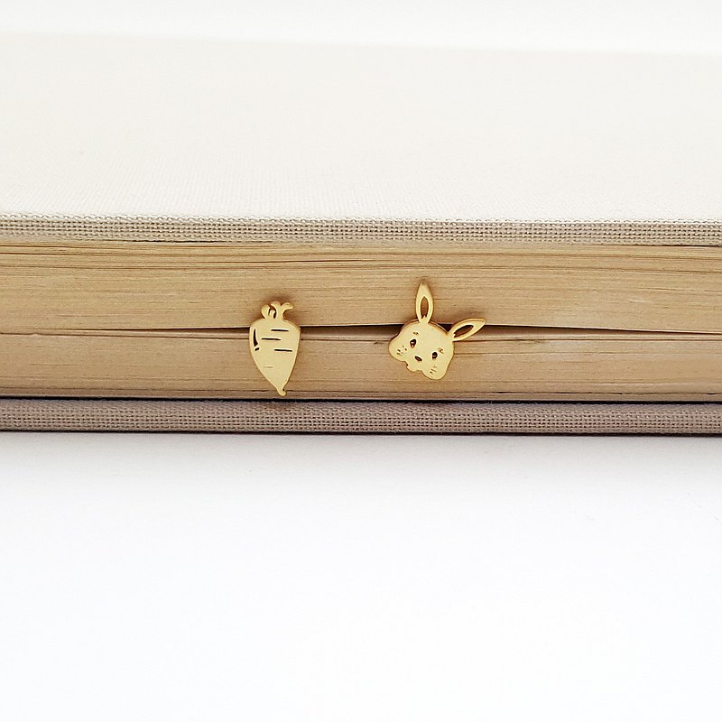 Rabbit and Carrot post earring in gold l minimalist animal jewelry