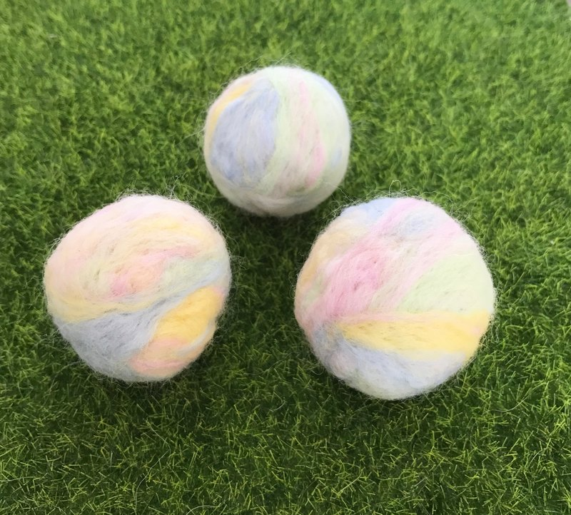 Cotton candy color handmade pure wool needle felt cat grass ball catnip ball one + water ring bell collar set