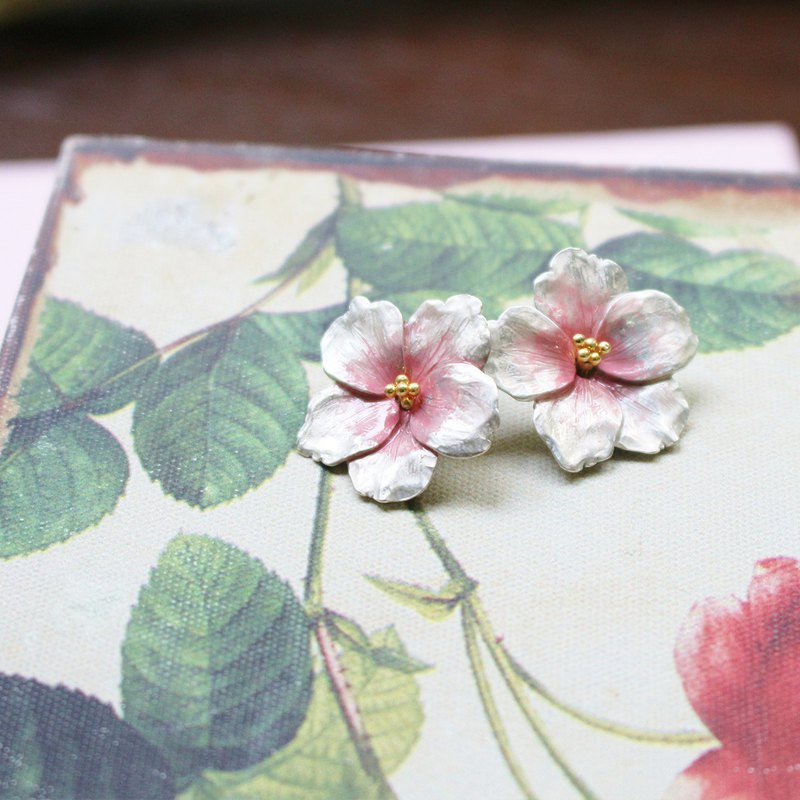Somei-Yoshino cherry blossoms / pierced earrings PA 386