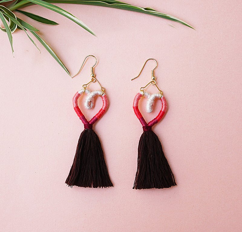 Listen to your heart-Bohemia style layered colors heart tassel earrings pink