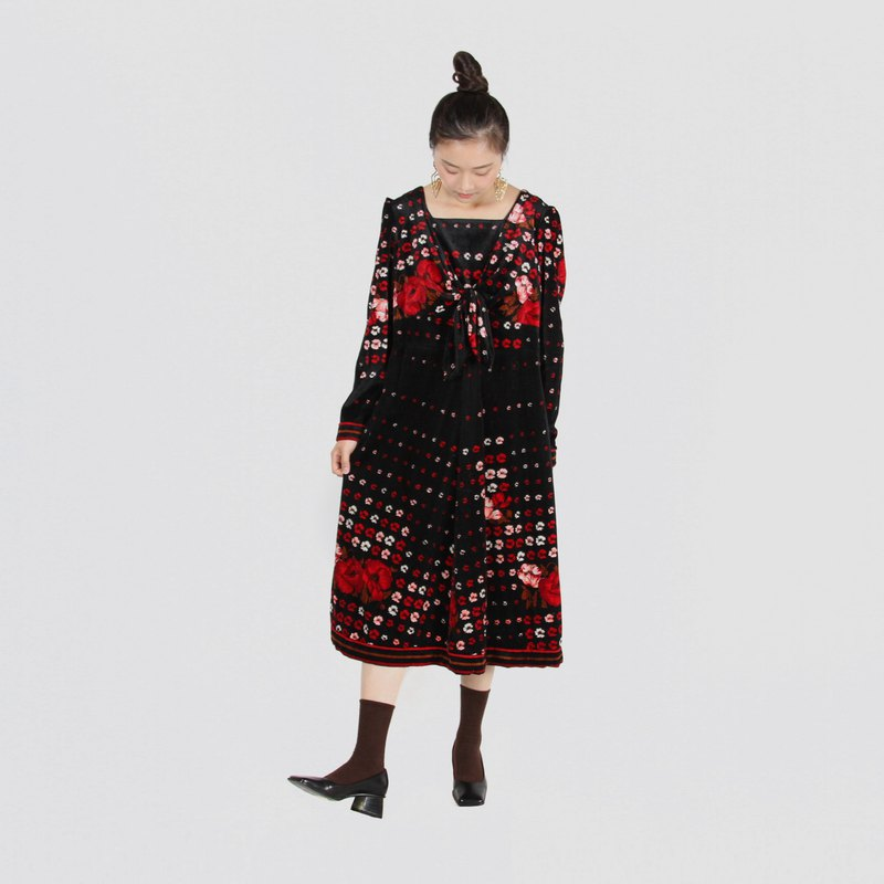 [Egg plant vintage] Chunhua checkerboard velvet vintage dress