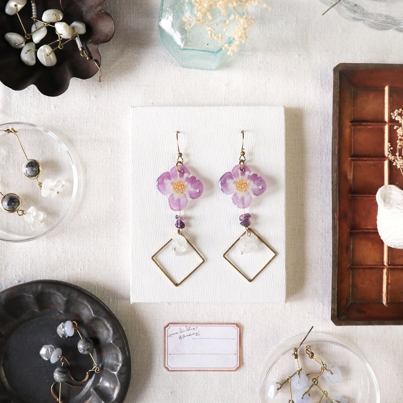 Flower collection book handmade earrings - fascinating amethyst crystal can be changed
