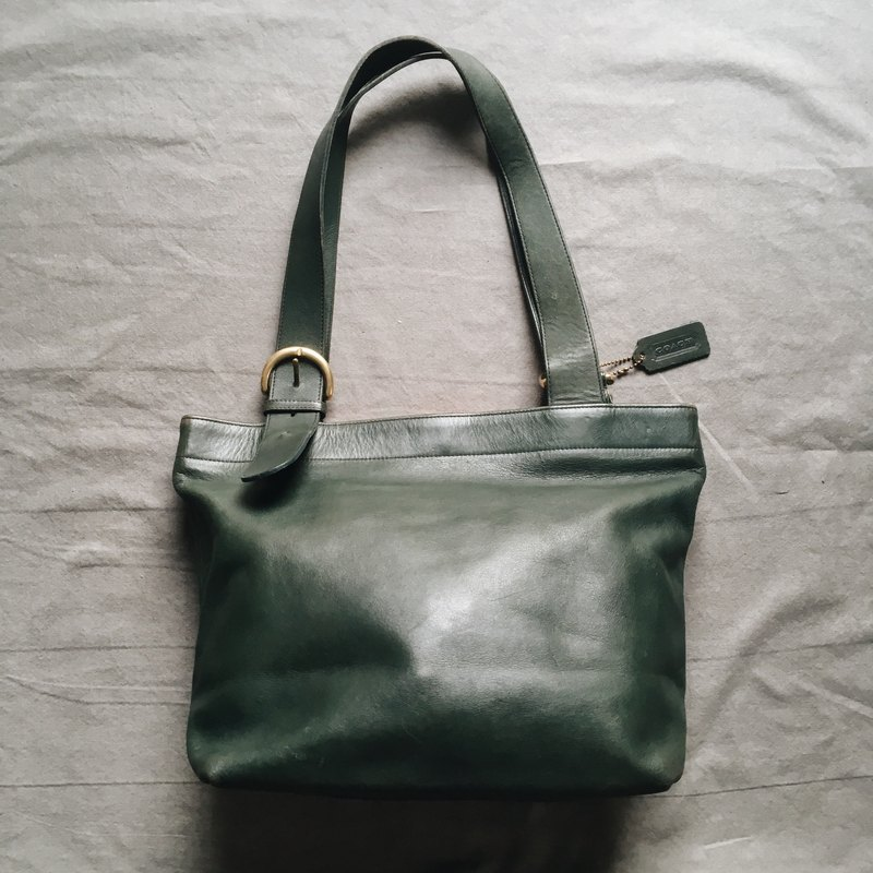 A ROOM MODEL - VINTAGE, COACH Green Shoulder Bag / BA-0515