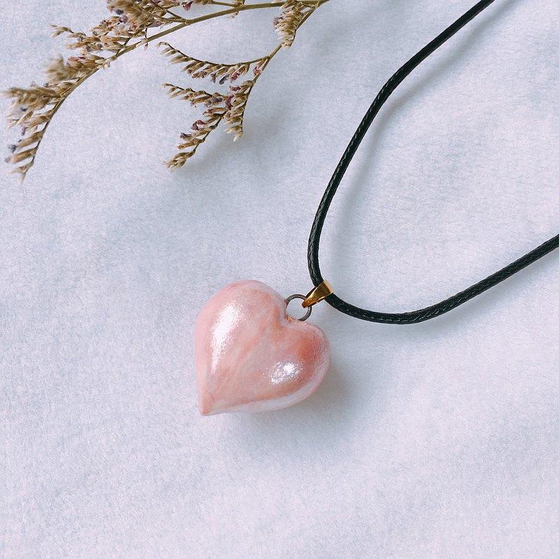 【情人炙熱之心】香水精油項鍊 手作白瓷 粉紅珠光 愛心型 擴香
