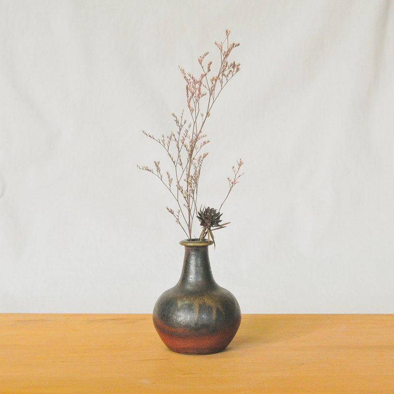 Firewood pottery hand made mysterious purple black vase flower arrangement