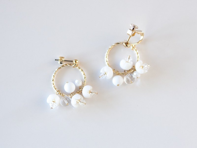 Hoop bouquet earrings, earrings, white