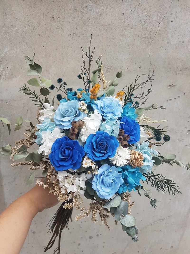 Haizang design │ personality. Navy blue dry bouquet / eternal flower bouquet
