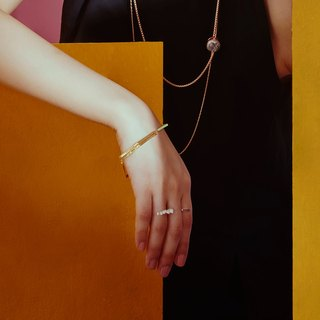 Golden simple buckle bracelet