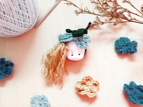 The ClayDoll With Clover Hat brooch