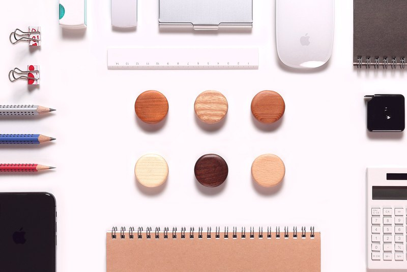 Macaron message magnetic [6 into a group] composed of 6 different wood