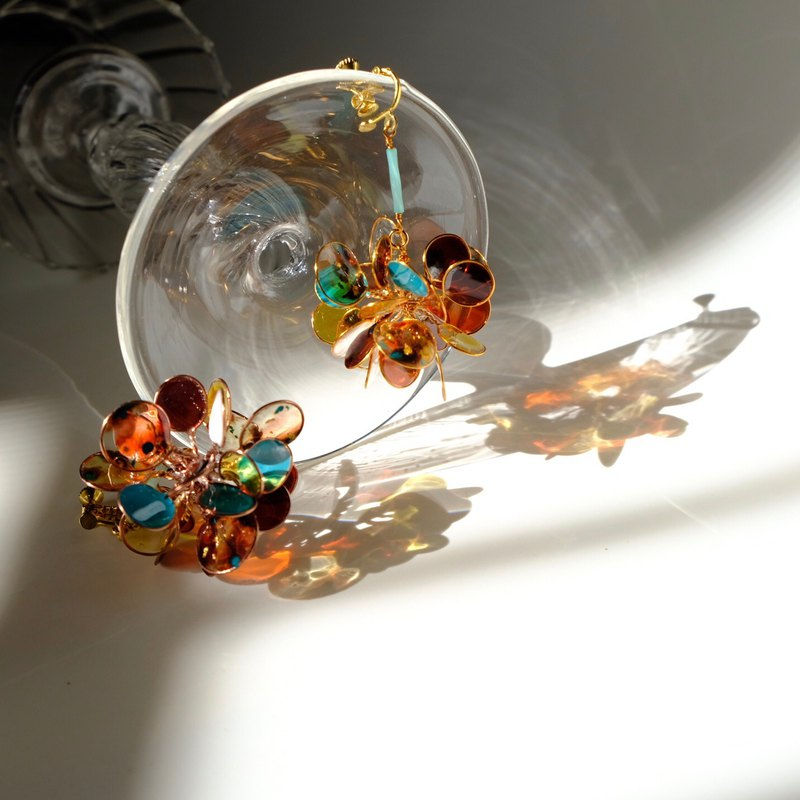 <Amber> Unilateral design, hand-designed resin earrings hanging pieces / / earring / accessories
