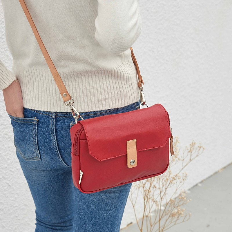 Limited Edition Canvas Covered Crossbody Bag [Classic Red]