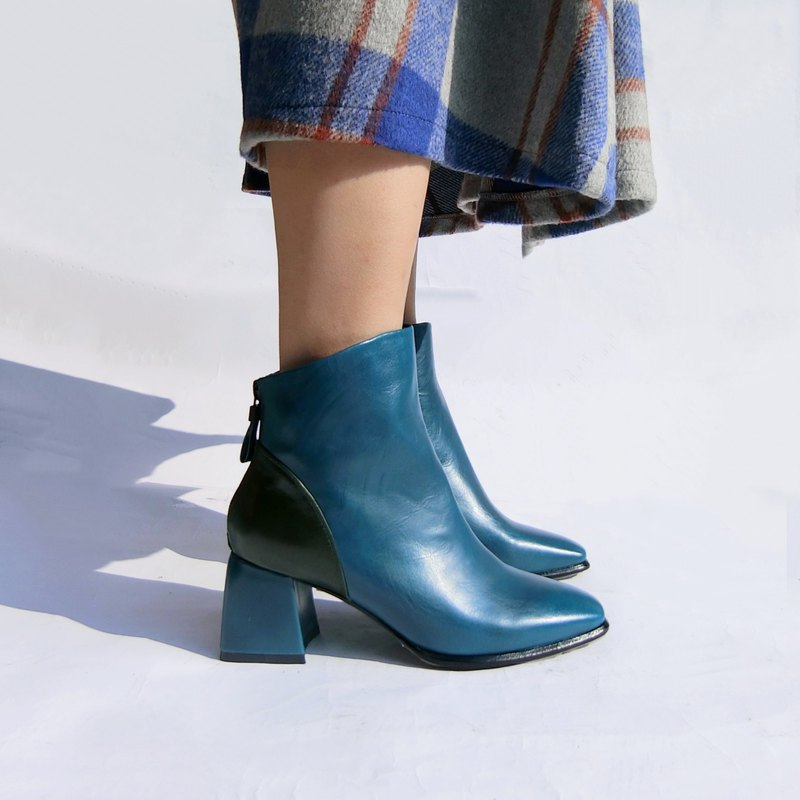 Diagonal colorblock leather ankle boots || Dorothy loves the courage mine blue|| 8161