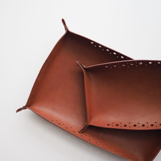 Leather Tray: The Clyde East Leather Tray-L037 Large-genuine leather, kangaroo leather, xmas, gift, tray, unisex, chestnut,brown,personlized