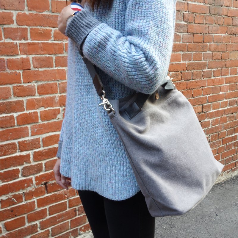 Shoulder bag / Crossbody bag