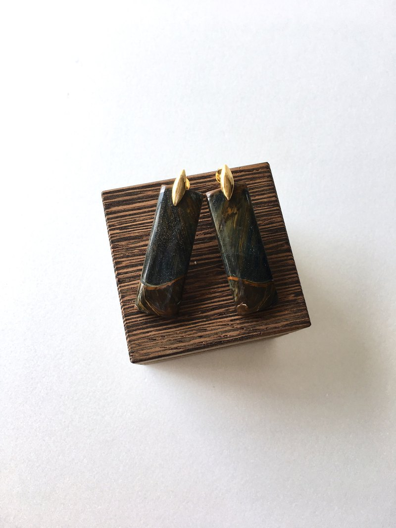 Tiger eye Stud - earring brass / gold