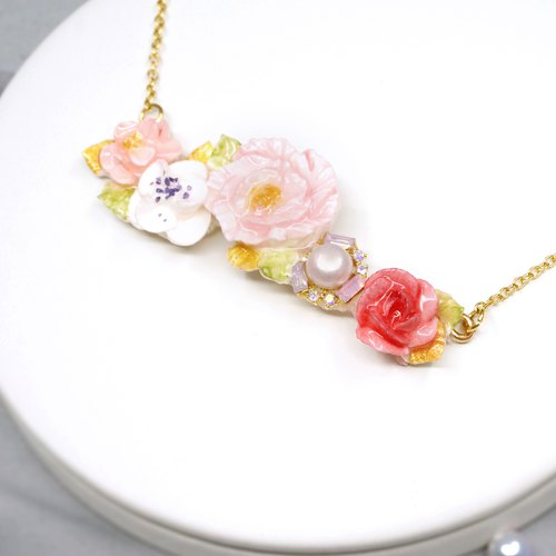 Elegant Rhinestone floral necklace =Flower Piping= Customizable