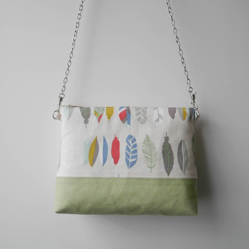 Zipper bag - light feather contrast color with hand-painted packaging