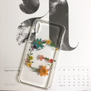 Hey Girls!::initial pressed flower phonecase