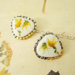 Mino ware tile and melasferura pressed flower earrings