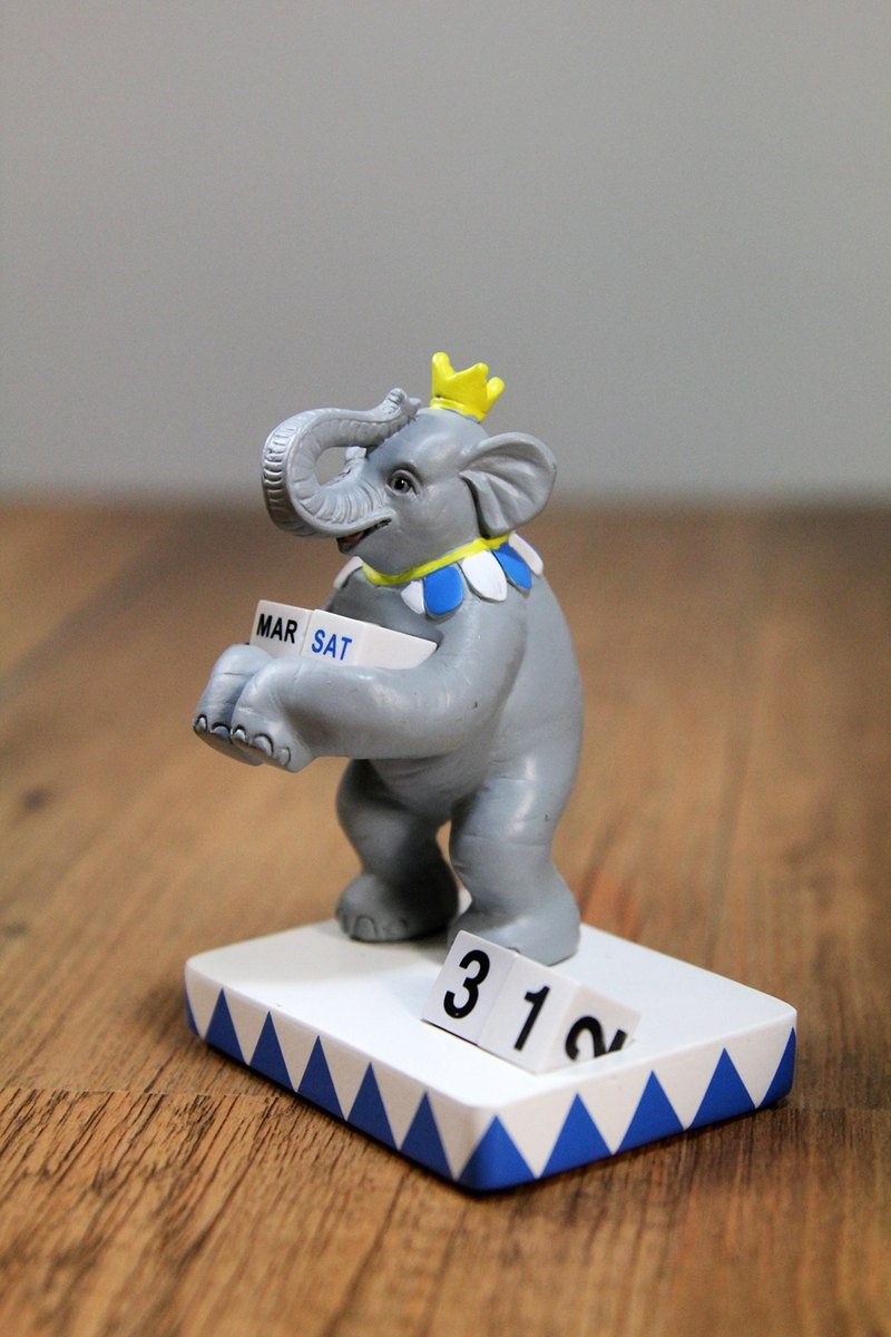 SUSS-Japan Magnets Ringside Animal Series Table Cute little table calendar / calendar (elephant section) - birthday gift recommendation / stock free