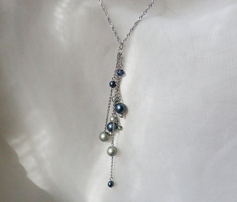 Stainless Steel necklace with SWAROVSKI ELEMENTS