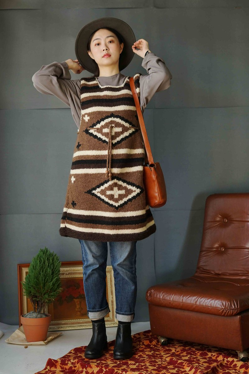 Treasure Hunt Vintage-Hippie style coarse knitted South American totem vest dress