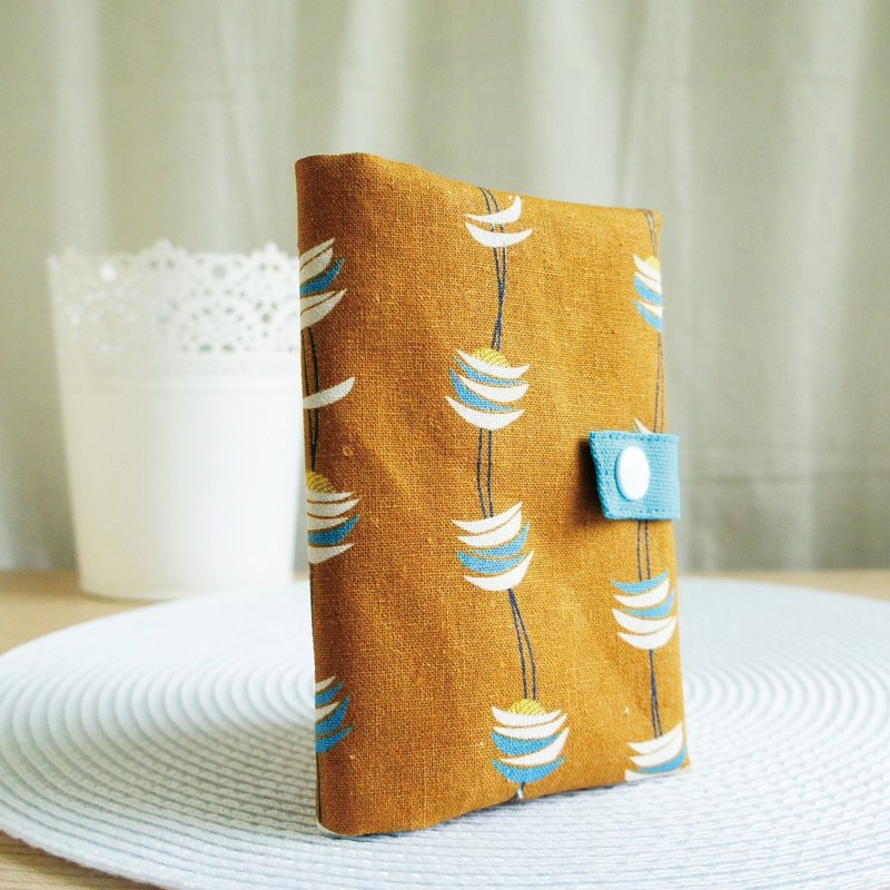Lovely [Japanese cotton and linen] small moon zipper passport cover, cloth book cover 10X14cm, coffee