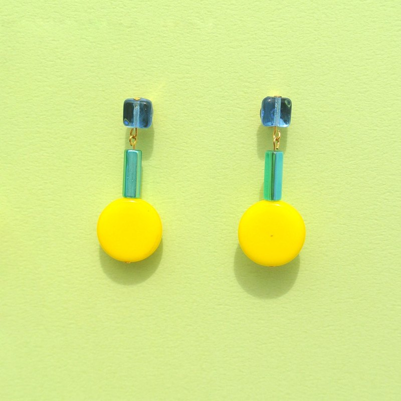 Bright yellow round glass / transparent blue square beads earrings