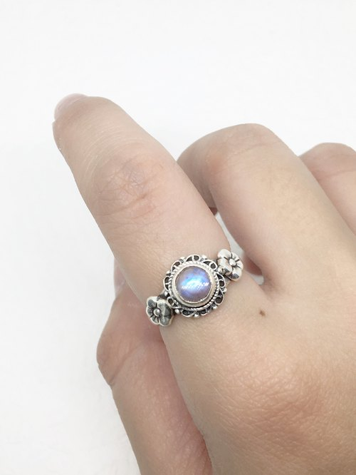 Moonlight stone 925 sterling silver elegant lace flower design ring Nepal handmade mosaic production (style 4)