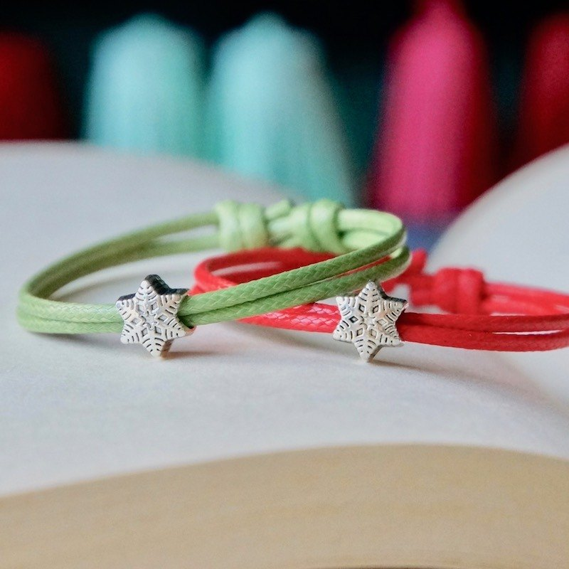 ITS-B813 [Minimal series, Merry Christmas] 1 Christmas gift, snowflake wax rope bracelet.