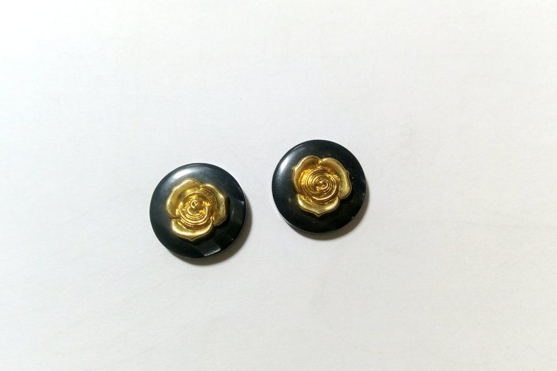 Vintage elegant gold rose earrings / pin