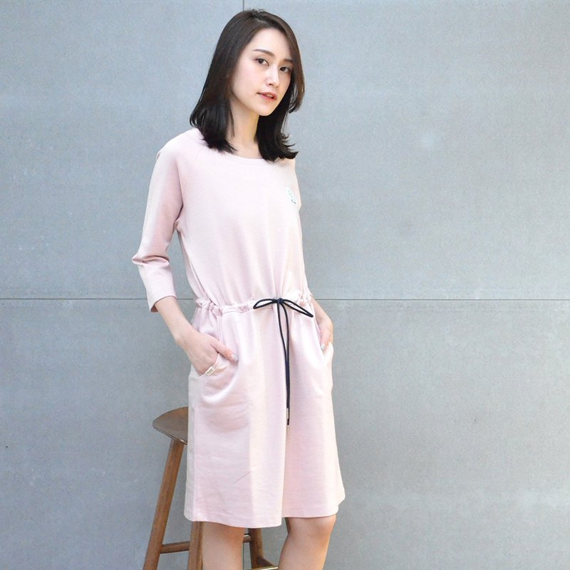 Autumn ∣Thick Spinning Embroidered One-piece Dress (Pink)