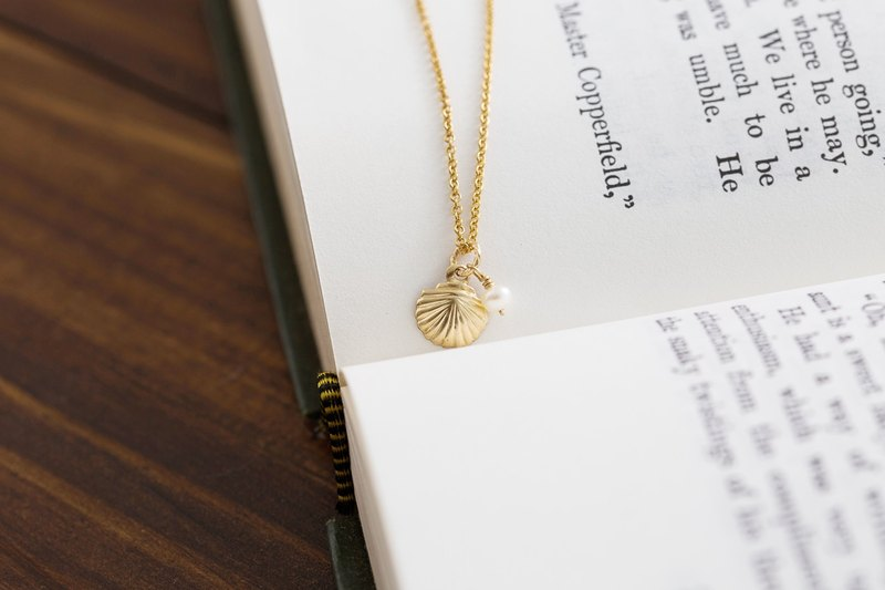Ocean Series - Shell Pearl 14K Gold Necklace