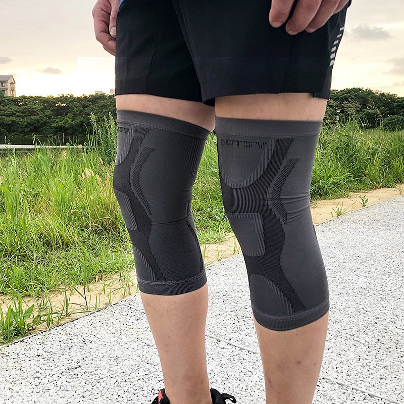 Taiwan-made sports function compression knee pads and leg covers (two colors optional)