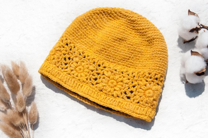 Hand-knitted pure wool cap / knit hat / knitted fur cap / inner brush hair flower cap / wool cap - yellow