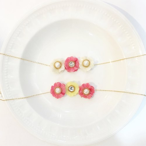 Luxury three flowers Swarovski pearl flower necklace / customized / gold chain / pink / yellow / white